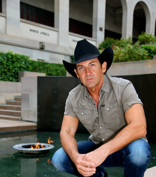 Lee Kernaghan: One of them and one of us