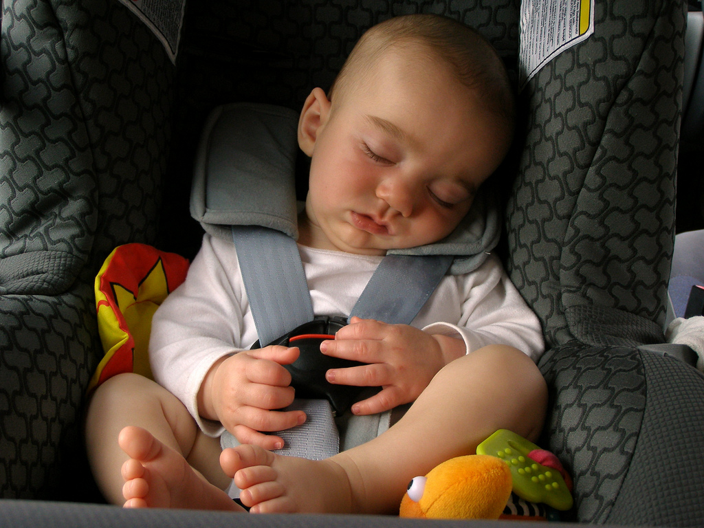 Parents encouraged to keep kids in car seats past legal age
