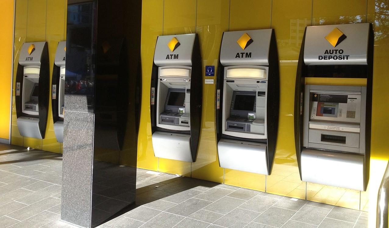 Independent Banks make Customers Happier