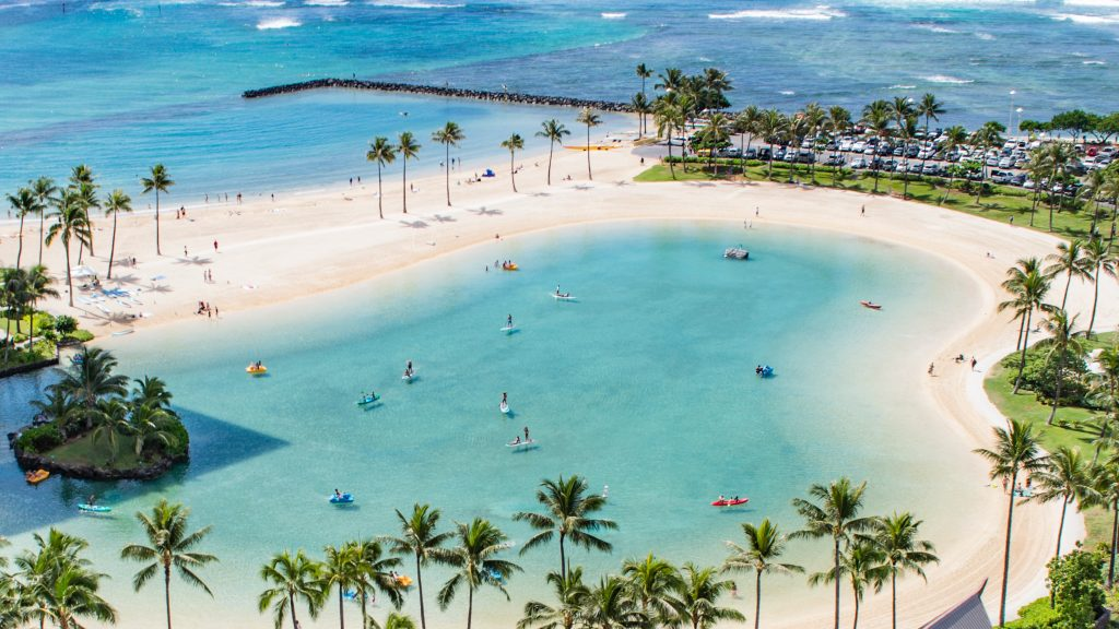 Light blue sea in an Hawaiian beach.